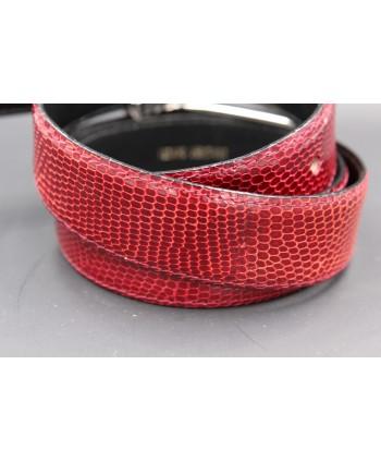 Belt in carmine red lizard skin width 30 - skin detail