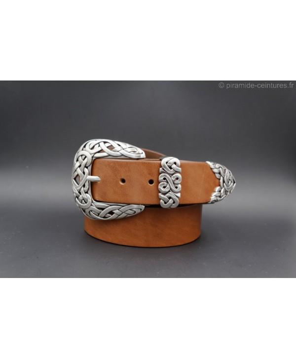 Large cognac leather belt toecap