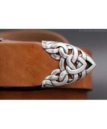 Large cognac leather belt toecap - detail