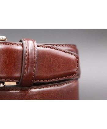 Dark brown smooth leather belt - detail