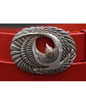Large red leather belt with brid buckle - buckle detail