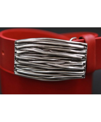 Large red belt with buckle branches - buckle detail