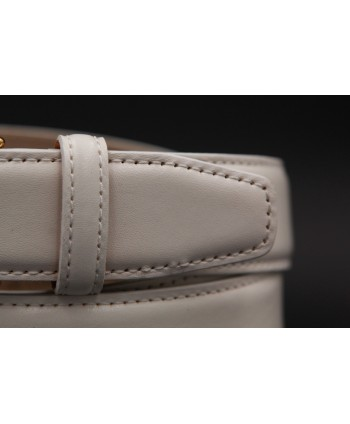White smooth leather belt big size - detail