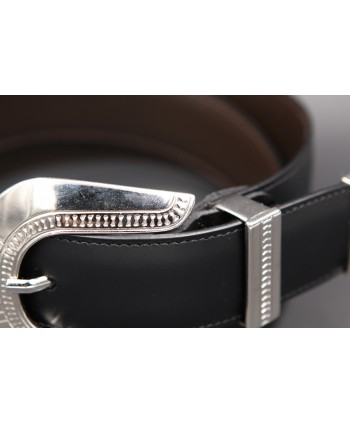 Black cowhide leather belt with engraved metal tip -detail
