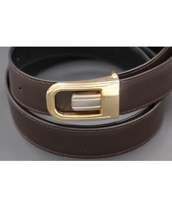 Ceinture réversible en cuir noir et marron boitier doré et nickel - côté marron - détail