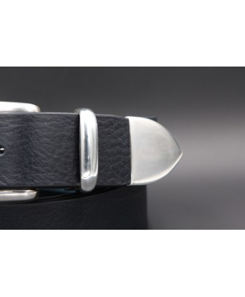Black large soft leather belt and metal tip - tip detail