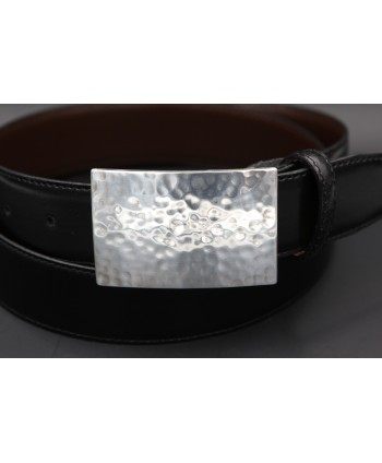 Black large leather belt with hammered metal buckle - buckle detail