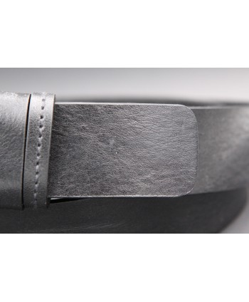 Black full grain cowhide leather belt - detail