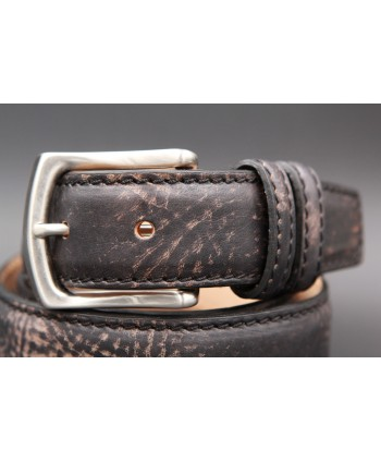 Casual leather belt - black and gold - buckle detail