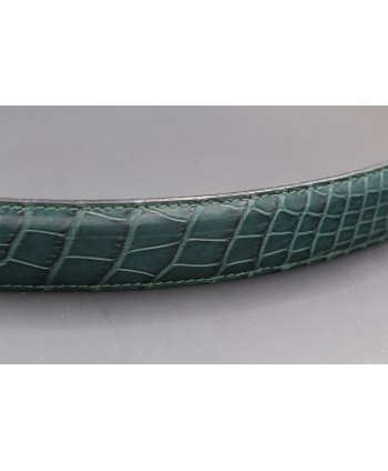Green alligator skin belt - skin detail